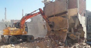 إزالة 8 عقارات على ترعة الخندق بالإسكندرية ونقل الأسر لمساكن طلمبات الماكس