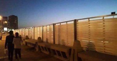 شكوى تكشف انتشار حواجز حديدية حاجبة لرؤية الشاطئ بسبب المطاعم بالإسكندرية