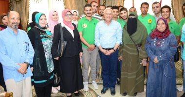 صور.. محافظ بورسعيد: بدء أول حملة لجمع كبار السن المشردين من الشوارع