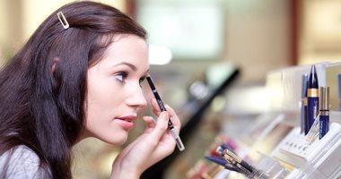مستحضرات التجميل تضر هرمونات المرأة لهذا السبب