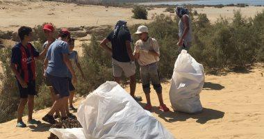 """""""البيئة"""" تكثف حملاتها لتنظيف المحميات والشواطئ من المخلفات"""