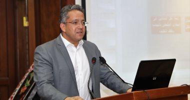 الدكتور خالد العنانى