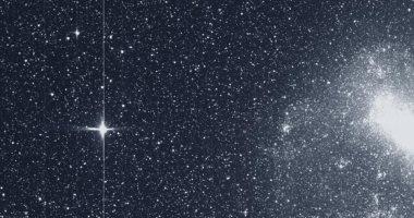 """هل ترسل الكائنات الفضائية إشارات للأرض؟.. علماء يكتشفون """"موجات راديو"""" بالفضاء"""