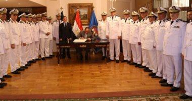 الرئيس عبد الفتاح السيسي وأعضاء المجلس الأعلى للشرطة