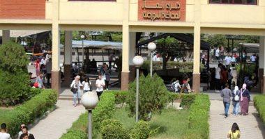 جامعة عين شمس تبدأ استقبال الطلاب الجدد لإجراء الكشف الطبى