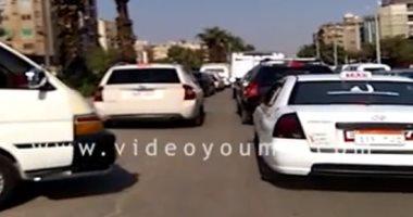 فيديو.. زحام مرورى بطريق الفيوم الصحراوى وشارع الهرم مع خروج طلاب المدارس