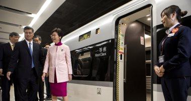 صور.. افتتاح خط سكة حديد لقطار فائق السرعة يربط 16 مدينة صينية
