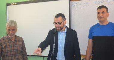 صور.. جولة تفقدية للنائب محمد فؤاد بمدارس العمرانية
