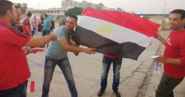 جماهير الأهلى تؤازر الأحمر أمام النجمة اللبنانى