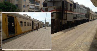 انتظام حركة سكك حديد سوهاج بعد إصلاح عطل ميكانيكى بقطار ركاب