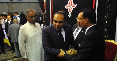 صور.. رئيس بمحكمة استئناف القاهرة يتلقى العزاء فى وزير العدل الأسبق