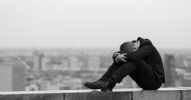 فى اليوم العالمى للصحة العقلية.. الاكتئاب مرض العصر بين الشباب.. ليه؟