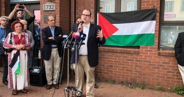 صور.. إزالة لافتة منظمة التحرير الفلسطينى والقائم بأعمال البعثة يعلن إنهاء عملها