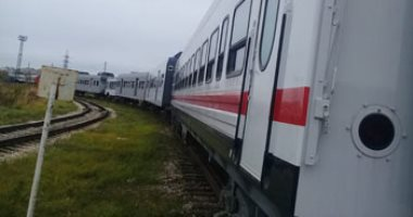 وفاة شخص بتصادم قطار بسيارة نقل اقتحمت شريط سكة حديد الإسكندرية - مطروح
