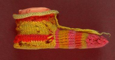 صور.. جوارب صوف بطريقة التريكو صناعة مصرية قديمة بالألوان