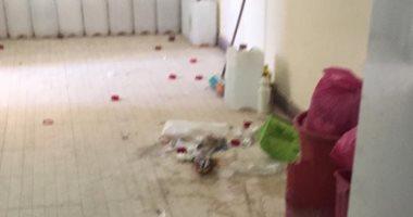 قارئ يشكو من انتشار القمامة بوحدة غسيل كلوى فى قنا