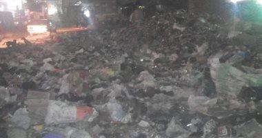 شكاوى من تراكم القمامة فى منطقة أم بيومى بشبرا الخيمة