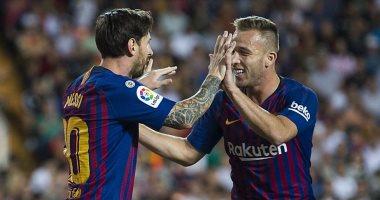 أخبار ميسي اليوم عن وصف لاعب برشلونة للنجم الأرجنتينى بالعبقرى