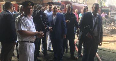 مدير أمن الجيزة يتنقل لموقع حريق مخزن حى الهرم بالمريوطية