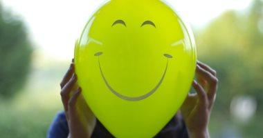 6 عادات تحسن حالتك النفسية فورا منها الحضن والأكل