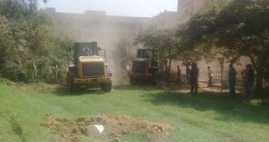 حملات مكثفة بأحياء القاهرة لإزالة التعديات ومخالفات البناء