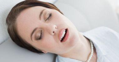 التنفس من الفم يسبب أضرارا صحية كثيرة للكبار والأطفال.. اعرفها