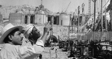 صورة نادرة لبناء السد العالى