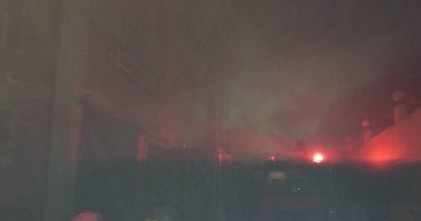 12 سيارة إطفاء للسيطرة على حريق بمصنع أدوات كهربائية بالعاشر من رمضان.. صور