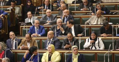 3 وزراء يحضرون الجلسة العامة للبرلمان بعد انتقاد عبد العال للتمثيل الحكومى