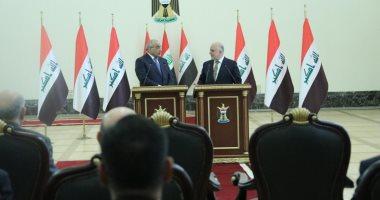 رئيس وزراء العراق يتسلم الحقائب الوزارية من حيدر العبادى