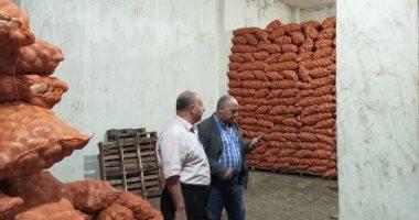 الرقابة الإدارية تضبط 3820 طن بطاطس مخزنة فى أول أيام حملاتها على التجار 201810250421432143.j