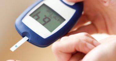 علماء صينيون يخترعون جهازا لقياس نسبة السكر فى الدم عبر إشارات ضوئية
