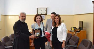 مبعوث الرئيس الفرنسى للمهام الفرنكفونية فى زيارة لمدرسة جيرار بالإسكندرية
