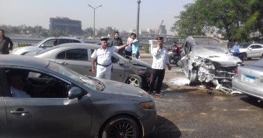 صور..إصابة 4أشخاص إثر حادث تصادم 5 سيارات بطريق كورنيش النيل اتجاه شبرا