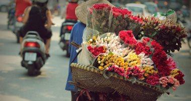 بياع الورد مش بيهادى بيه .. سألنا بياعين الورد بتجيب إيه هدية لمراتك؟