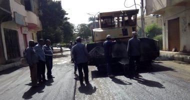 """صور.. بدء أعمال رصف طريق """"الأقصر – العشى"""" بمسافة 7 كيلو متر"""