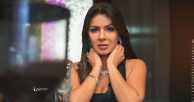 نجلاء بدر تعلن إصابتها بفيروس كورونا: أنا كوفيد 19