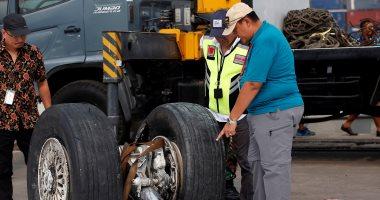 فريق الإنقاذ الإندونيسى يعثر على حطام الطائرة المنكوبة بقاع البحر