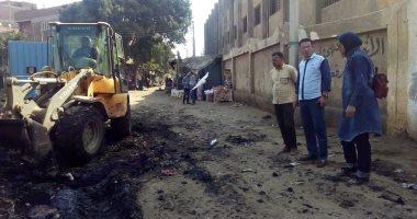 """استجابة لـ """"اليوم السابع"""".. محافظ القليوبية يوجه برفع تراكمات القمامة أمام مدرسة (صور)"""