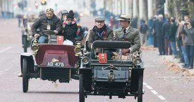 نوستالجيا المركبات.. شاهد سباق سيارات الزمن الجميل فى شوارع لندن