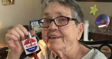 التصويت الأول والأخير.. وفاة عجوز أمريكية بعد مشاركتها بانتخابات الكونجرس