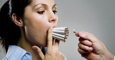 بلاش تدخين ..النساء المدخنات أكثر عرضة للإصابة بالنوبات القلبية عن الرجال