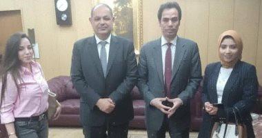 محافظ الغربية يستقبل الإعلامى أحمد المسلمانى بعد تبرعه بقطعة أرض لبناء مدرسة