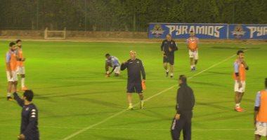 إبراهيم حسن يشيد بلاعبى بيراميدز.. ويؤكد: نجحنا فى خلق دوافع جديدة عند اللاعبين