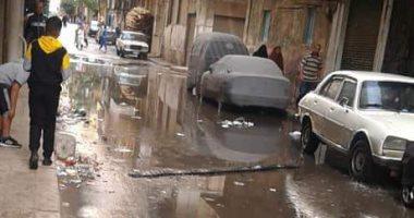 صور.. غرق بعض شوارع الإسكندرية بمياه الأمطار وأالاحياء تكثف أعمال الكسح