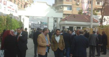 صور.. أعضاء الوفد يتوافدون على مقر الحزب للمشاركة بانتخابات الهيئة العليا