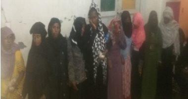 أمن أسوان يحبط تهريب 22 شخصا من جنسيات أفريقية بينهم نساء وأطفال عبر الحدود