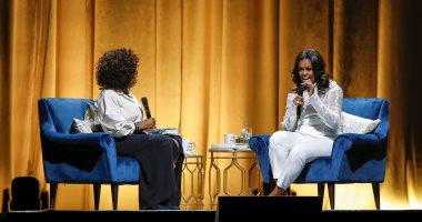 إطلاق بودكاست ميشيل أوباما على إحدى المنصات الصوتية بعد نجاح كتابها