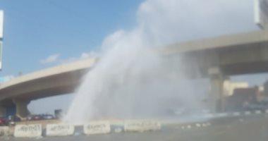 انفجار ماسورة مياه بالطريق