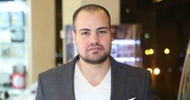 عمرو صحصاح يكتب: أحلى عُمر ده اللى كان بينك وبينى..هل قصد عمرو دياب زينة عاشور بهذه الأغنية؟